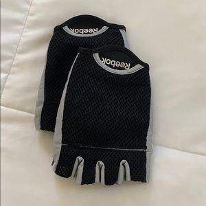 B09293 Mens Reebok Lifting Gloves